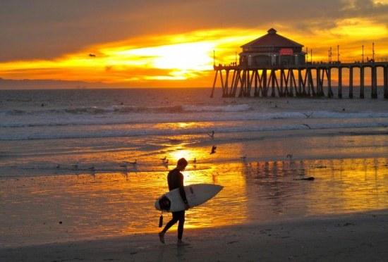 huntington-beach-surfer-movie-803767398