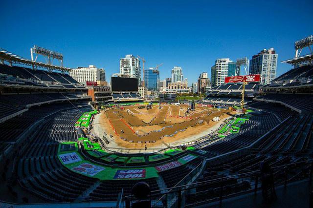 2015-San-Diego-SX-PetcoPark2-640x426